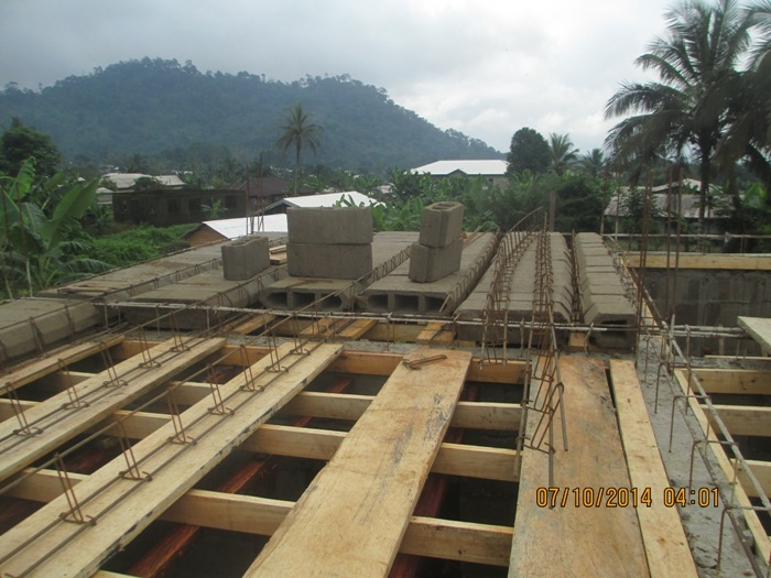 Placing of decking blocks