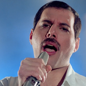 Neste dia Freddie Mercury lançava Time