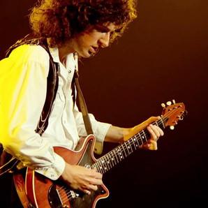 Brian May toca o melhor solo de todos os tempos, segundo a Total Guitar