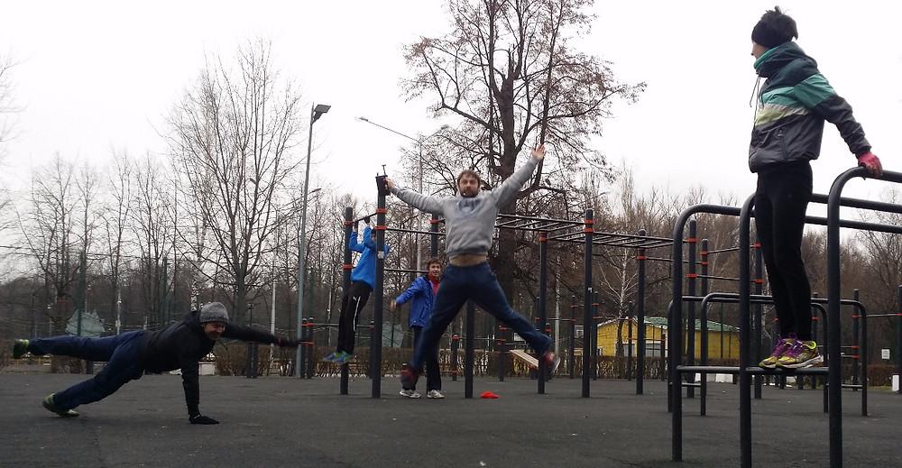 Комплекс упражнений табата. Площадка Workout в Измайловском парке