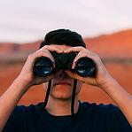 binoculars-1209011_1920.jpg