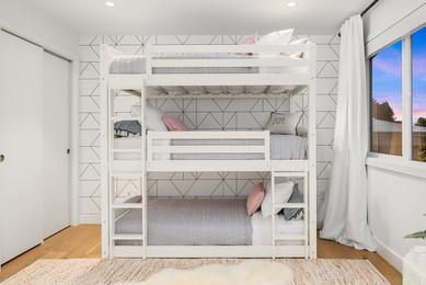tripple bunk bed