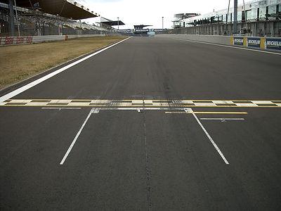 Pole_position_markings_Nürburgring.jpg