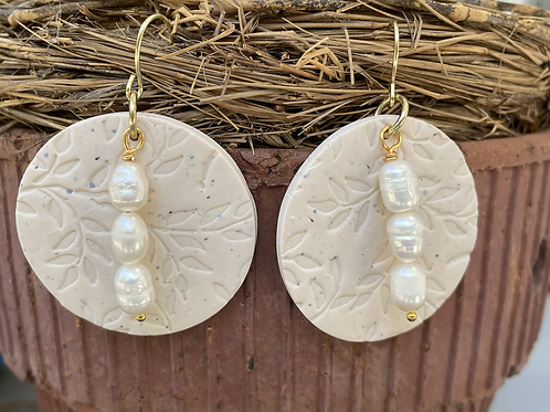 Linen Clay and Pearls