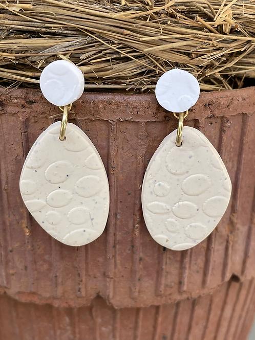 Linen Clay Small Drop