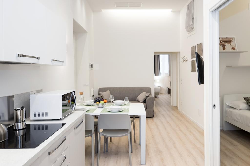 Flats4Rent Duomo Apartment
