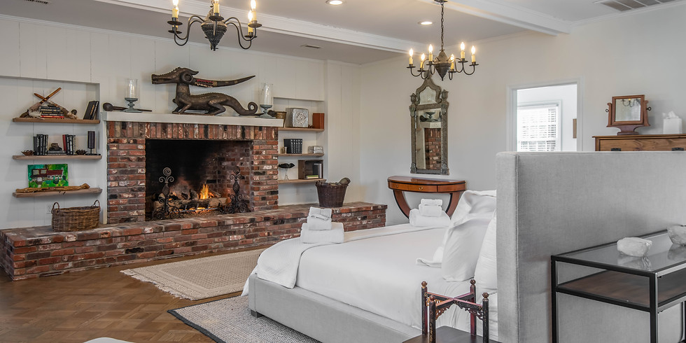 Fireplace Master Suite Booking - Shine Retreat 2021