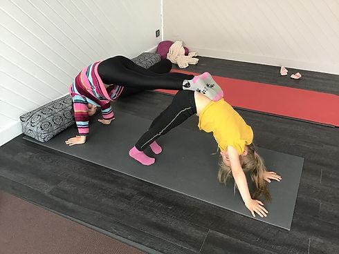 yoga enfant en cours collectif
