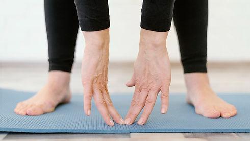 séance de yoga doux pour seniors et convalescents
