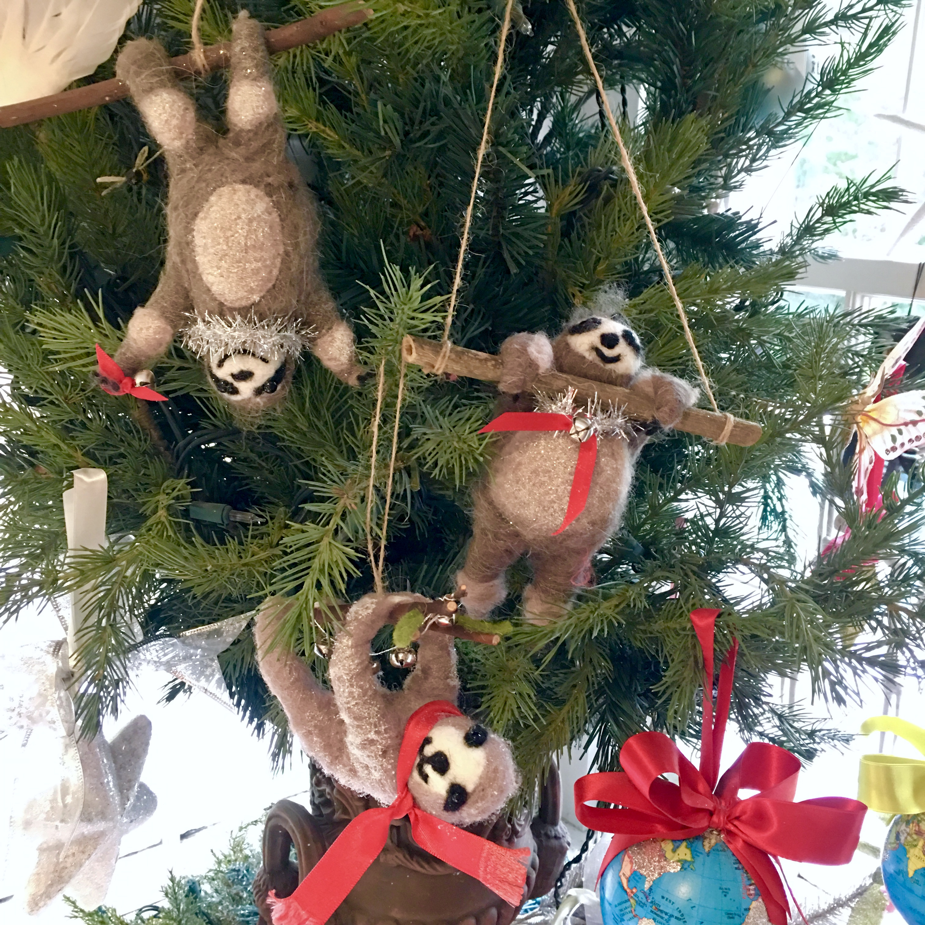 Holiday sloths have arrived!