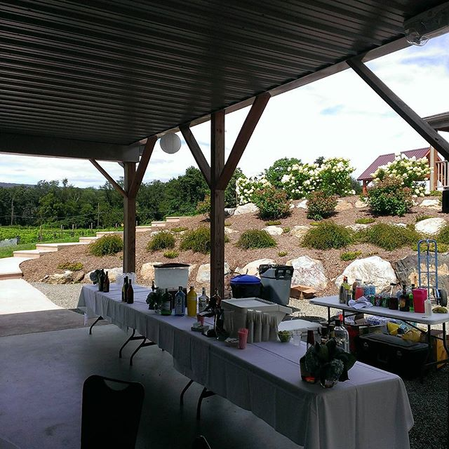 Shakers pouring for a wedding at Brookhallow winery