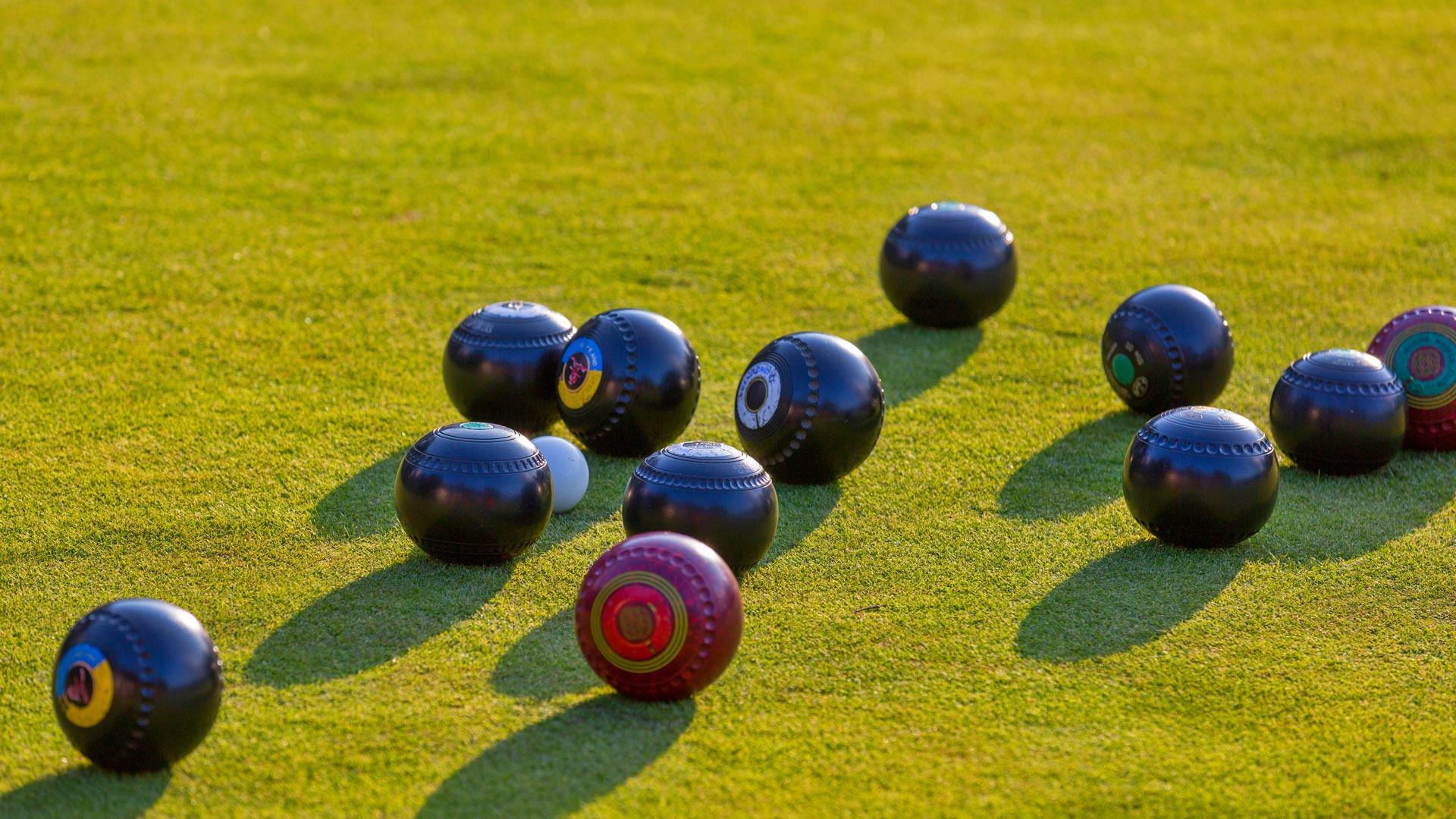 Bowls coaching : morning