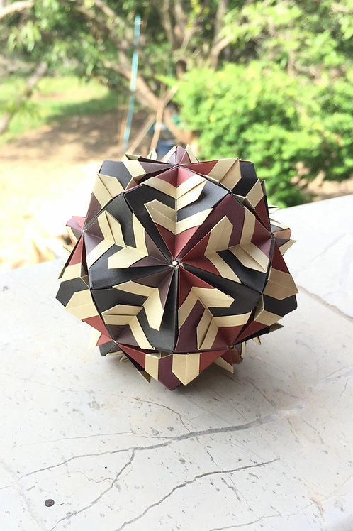Labyrinth Kusudama