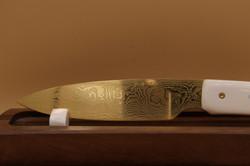 Couteau acier damassé fabriqué par laforgededenys.com