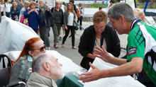 """Bon lancement des """"Lueurs du festival"""", au stand de la """"Coop Breizh"""""""