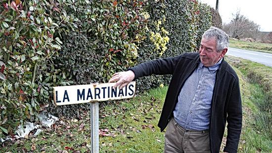 Bernard Barel en son village de la Martinais
