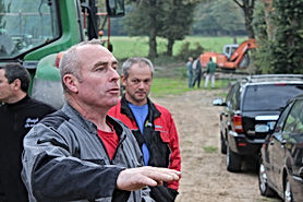 Patrick Lesec sur le chantier de la journe bénévoles de Saint-Péran