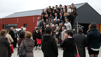 La photo de famille à la f^te des classes 5 à Saint-Péran
