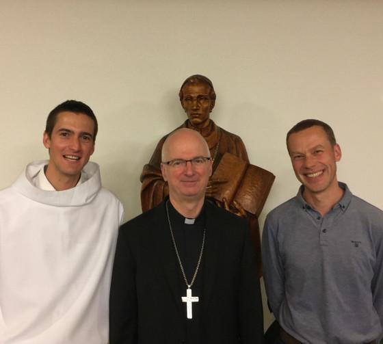 En la fête de saint Charles Borromée patron, Remi et Jacques ont reçu le lectorat et l'acolytat.
