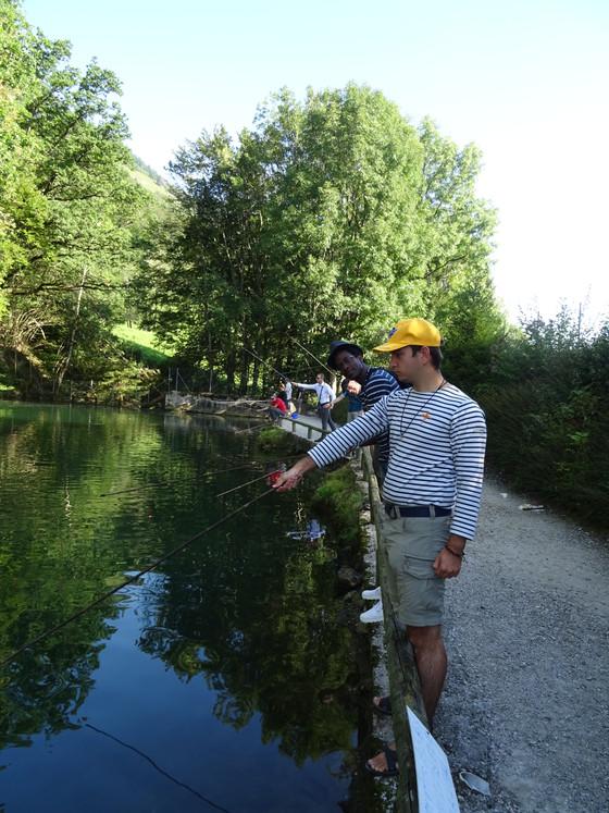Première sortie communautaire et fraternelle de l année; Quoi du mieux que la pêche. Tout un art...