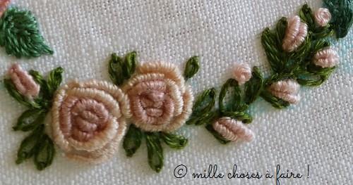 roses brodées au point de poste