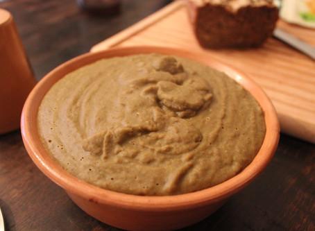 Purè di lenticchie medievale con patate alle erbe