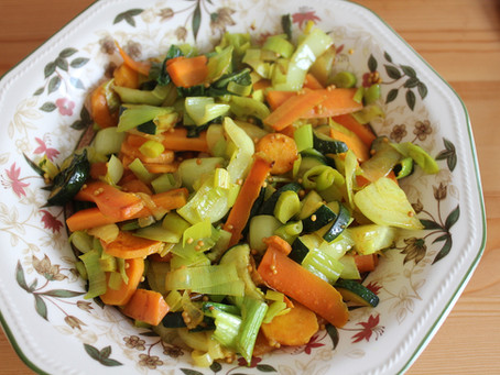 Verdura mista alla curcuma e senape