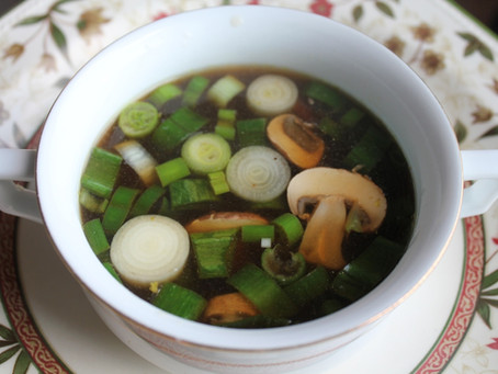 Zuppa asiatica di accompagnamento