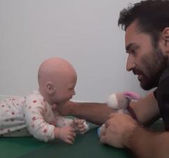#3 Trois situations de jeux au sol avec bébé