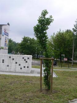 pogrom victims memorial statue יד לזכר קורבנות הפוגרום.jpg