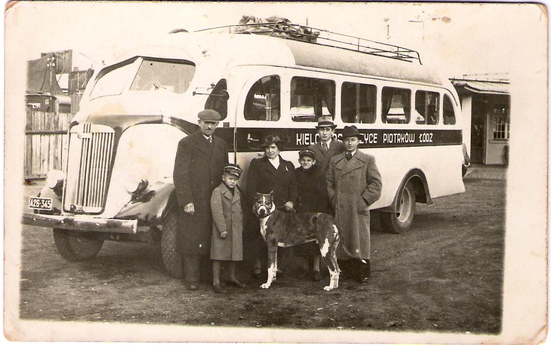 Grandfather & Kosntanciak & bus.jpg