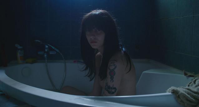 1 searching_eva_eva in bathtub_small.jpg