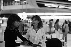 Delphine&carole -aeroport.jpg