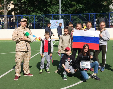 Акция по раздаче ленточек триколор и квест, посвящённые Дню России