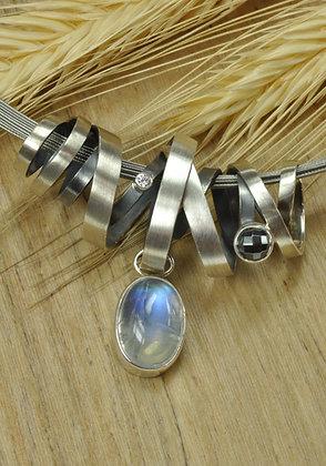Hanger zilver met regenboog maansteen, Rabinovich, aan edelstaal kabelcollier