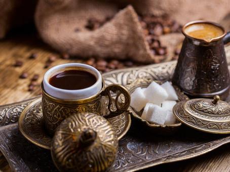 Cezvede Bol Köpüklü Türk Kahvesi Tarifi ve Yapımı