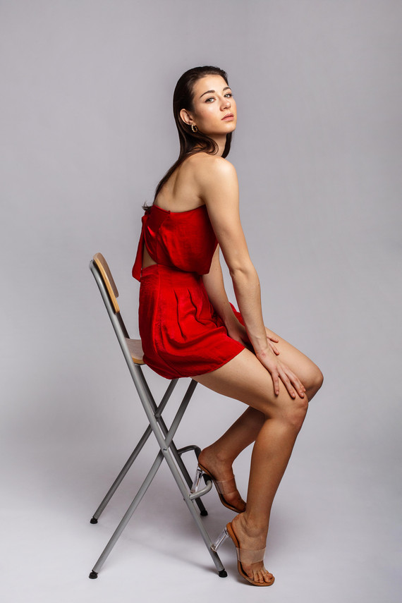 Aylin_red_dress