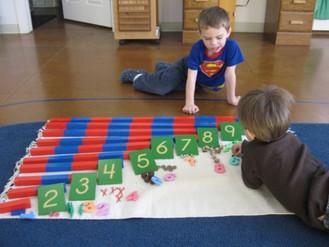 Iskolamustra 5. A Montessori