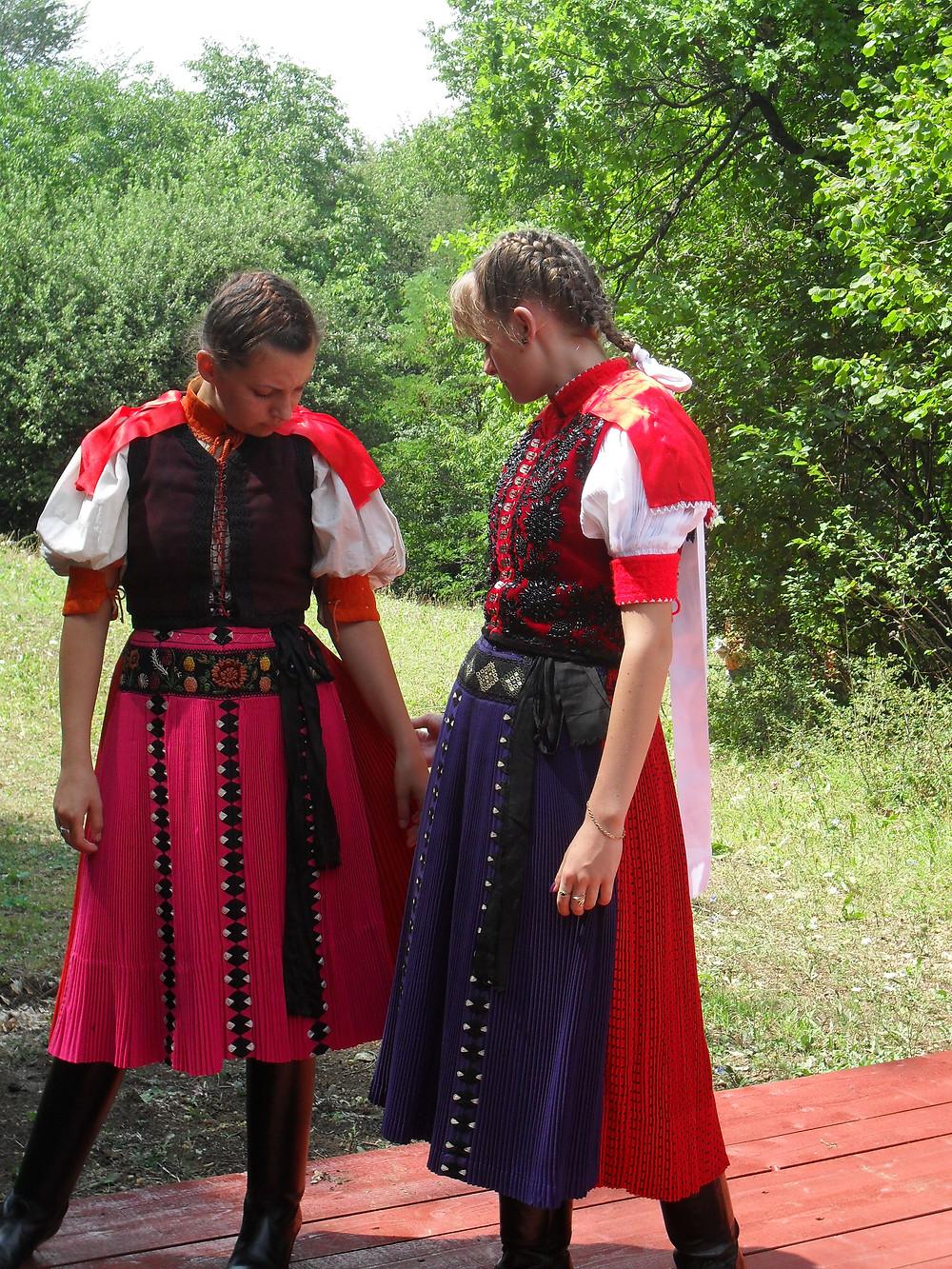 Sztana, kalotaszegi viselet
