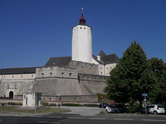 Hogyan éltek a középkori várban?
