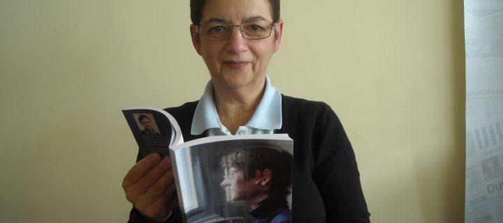 """Tóth Zsuzsanna, a """"Mi autizmusunk"""" könyv írója"""