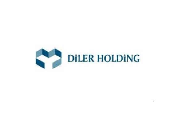 diler holding.jpg