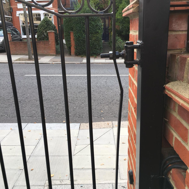 Metal gate repair