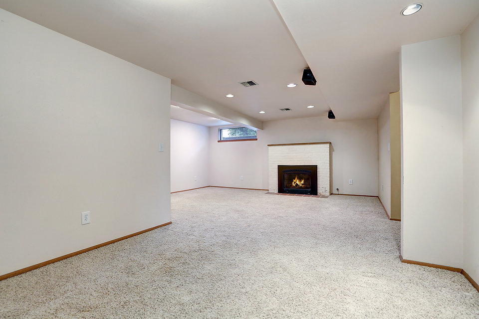 bigstock-White-Empty-Basement-Room-With-