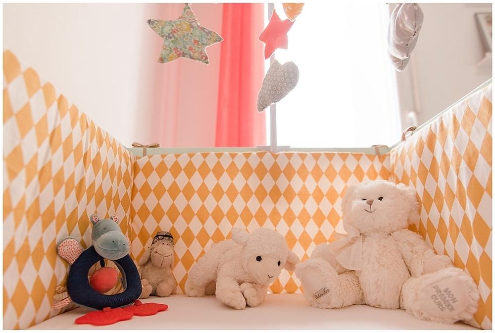 décoration chambre bébé fille - séance photo naissance lifestyle Evreux - Studio life stories