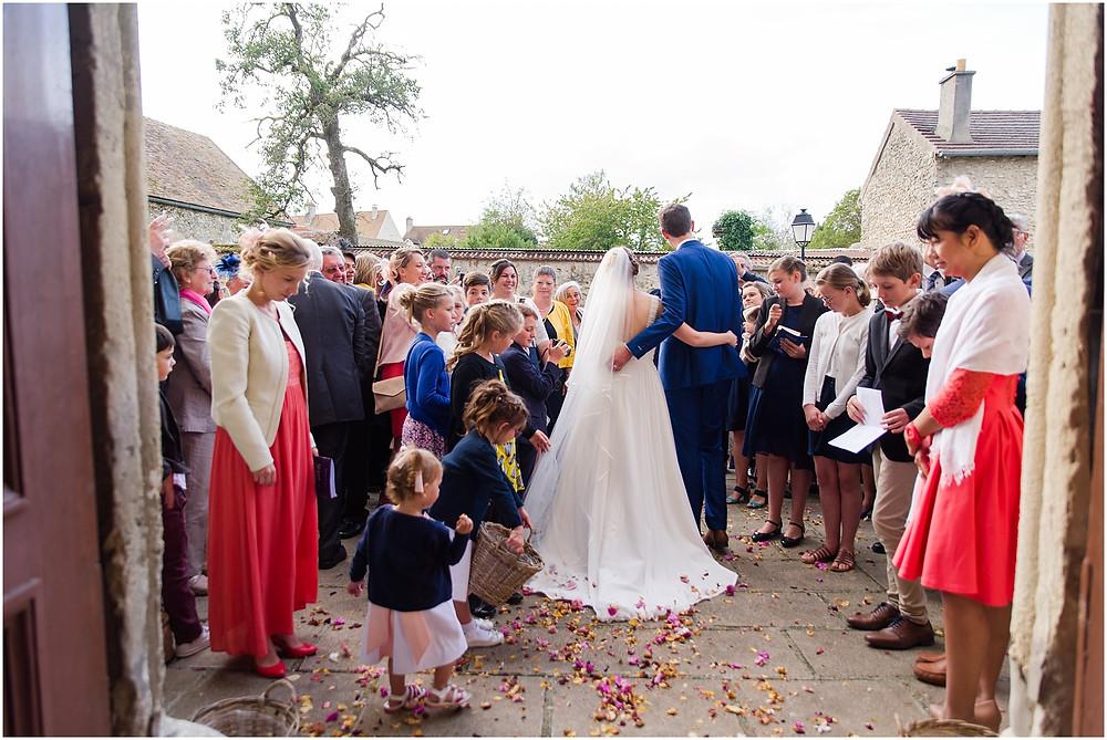 sortie église mariage la vallée aux pages