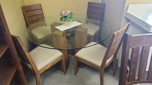 Glass Top Table /w 4 Chairs