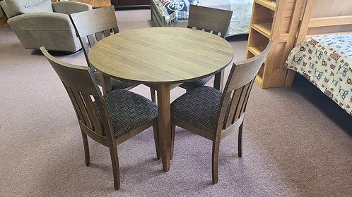 Round Table /w 1 Leaf & 4 Chairs