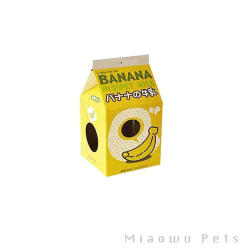 Milk paperbox cat scratcher