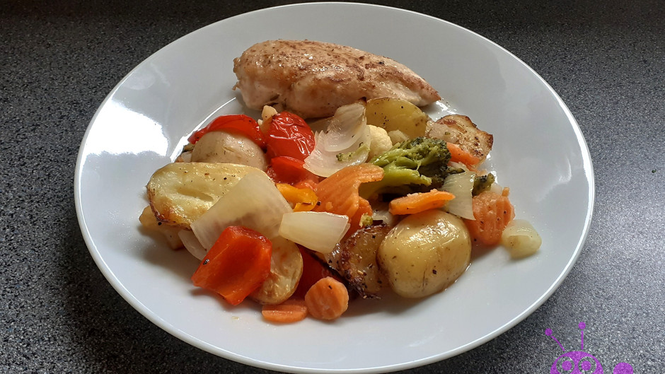 Hühnerbrust mit Ofengemüse (2 Portionen)